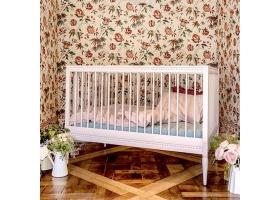 Lit bébé évolutif Gustavienne avec matelas - Rose poudré